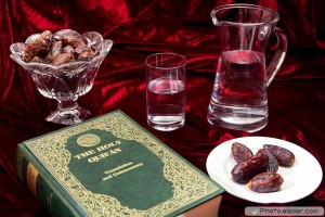 Quran-With-Dates-and-water