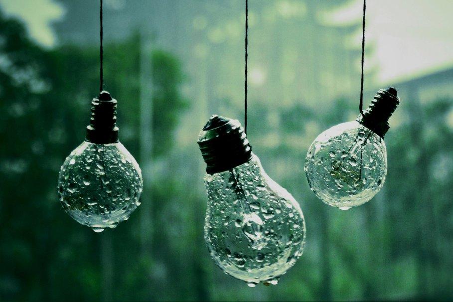 218643__photos-miscellaneous-ropes-lights-rain-drops-close-up-background-wallpaper_p